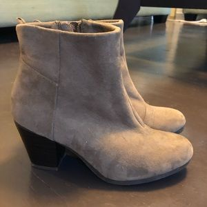 Old Navy suede booties with heel size 7